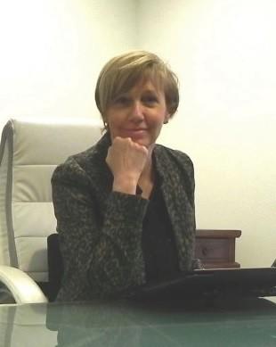 Dr Annie Calvez.jpg